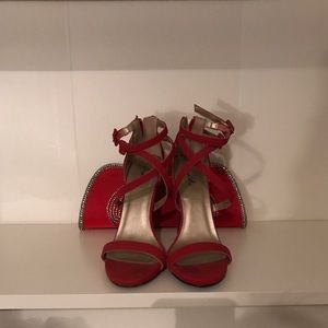Red open toe heels w/ free matching clutch!!